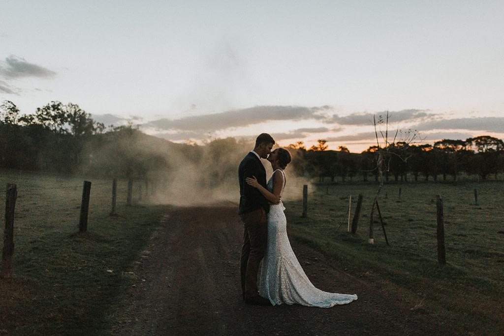 Top-Wedding-Trends-2019-Smoke-Bombs